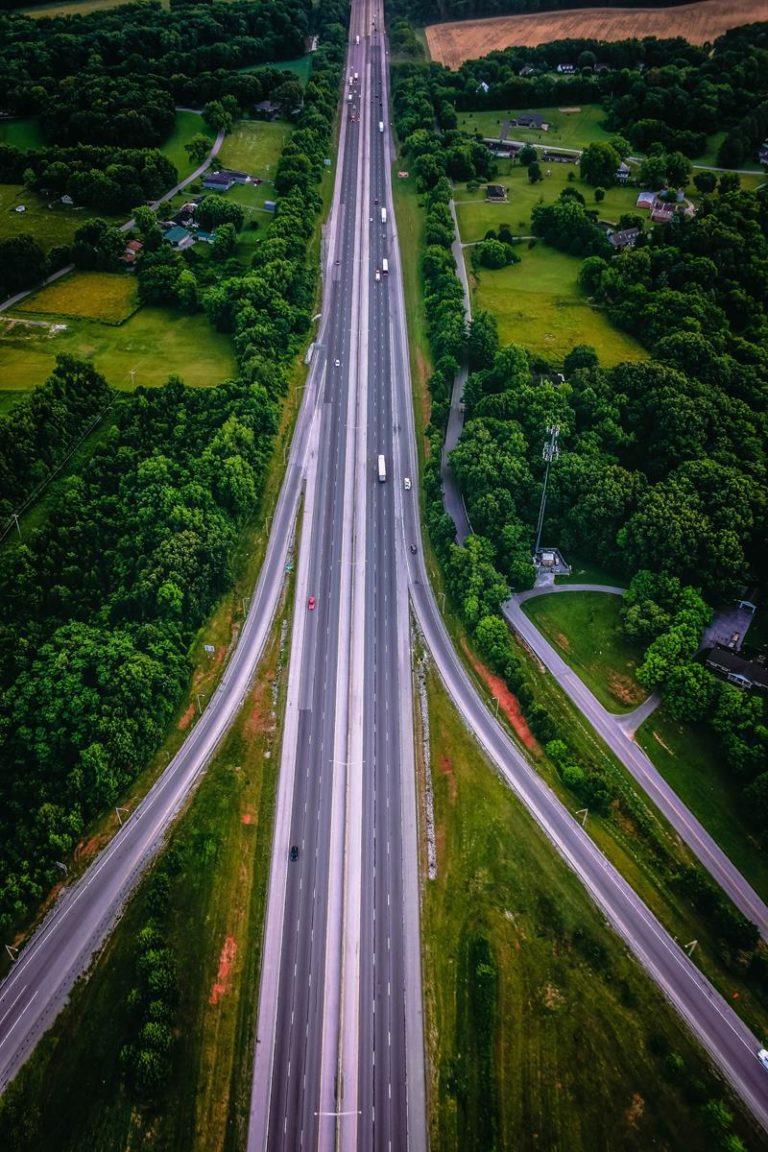 Jak odpowiednio szybko uzyskać pomoc drogową?